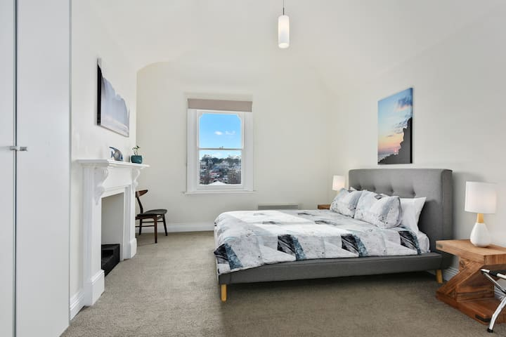 Sunny Central Hobart Apartment 5