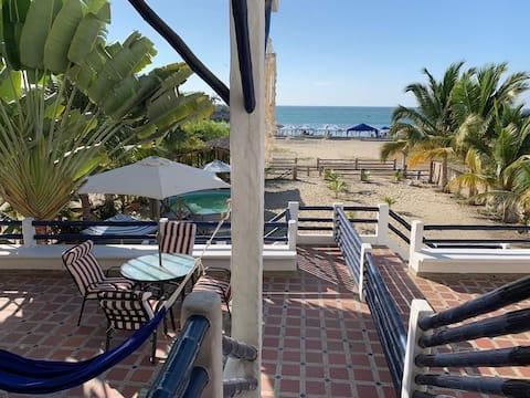 Casa Ferreyros, our piece of paradise.