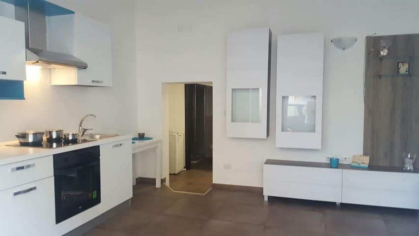 MONOLOCALE ROMA SEVEN - Giovinazzo - 公寓