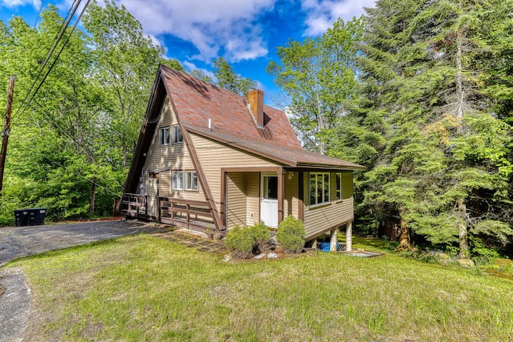 Unique & roomy A-frame in perfect location w/ a gas fireplace, & furnished deck