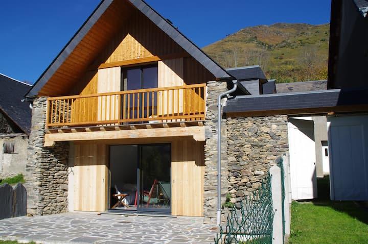 Belle maison rénovée à Azet (proche St-Lary)