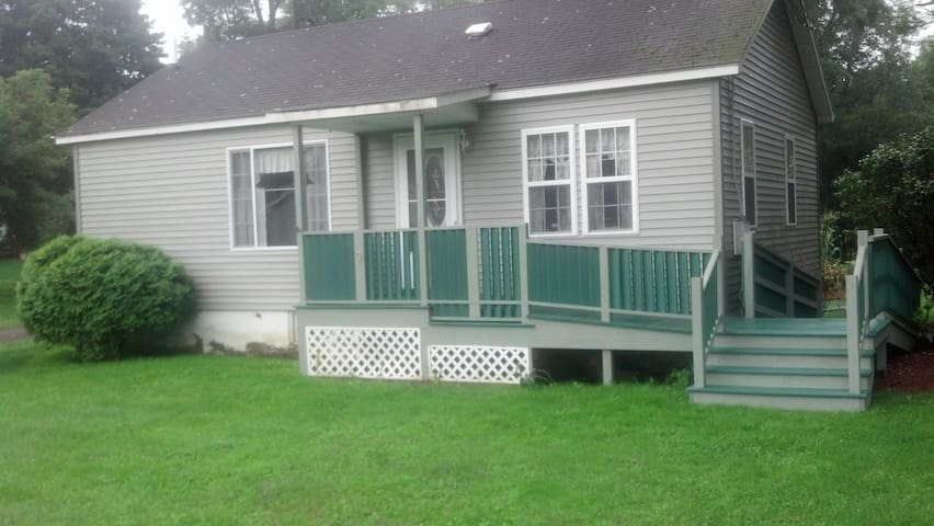 Cozy new 2 bedroom house near Ithaca - Spencer - House