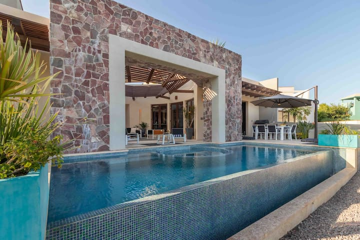 Luxury Casa with Private Pool, Hot Tub, Golf Cart