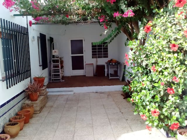 Family home with large yard and 10 km from the sea - Pulpí