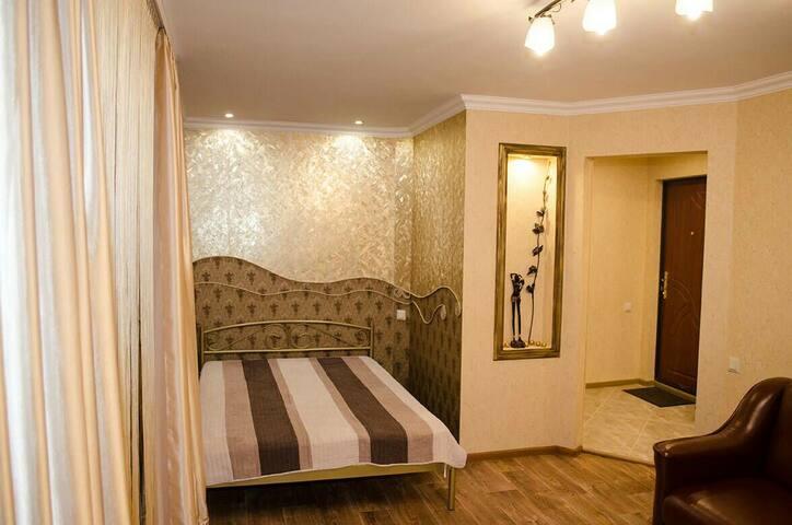 Premium Apartment in Mariupol Mezhygoriye style)