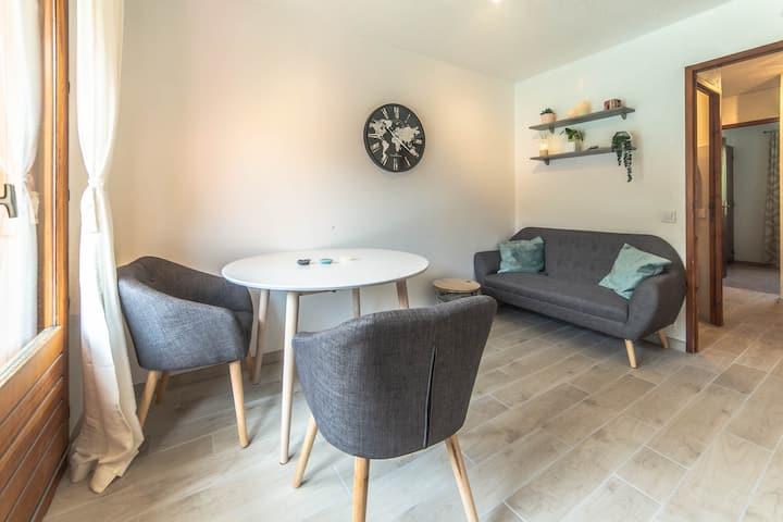 Appartement rénové T2 - centre de Bozel