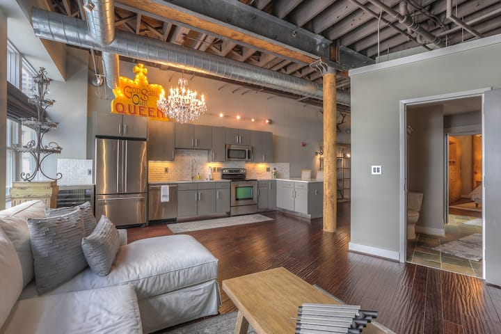BOOK NOW and Save thru Feb Taylor by MusicCityLoft on Airbnb Nashville