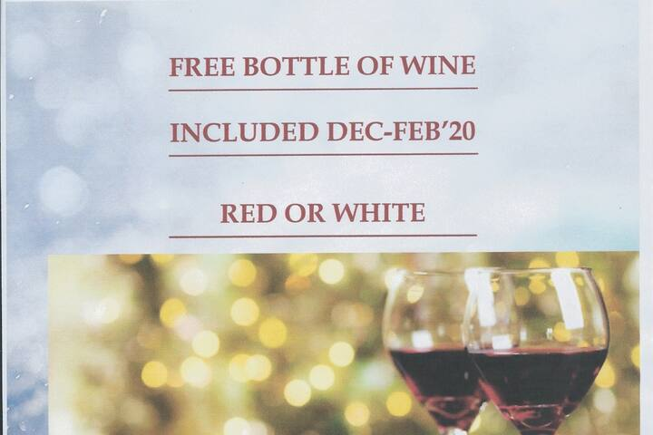 FREE BOTTLE OF WINE WHEN YOU BOOK AND STAY IN DEC-FEB'20.  Choose from Chardonnay, Merlot, Cabernet or Pinot Noir.  Dulles Airport Oasis is 8 minutes from IAD via Rte 28.   Discounts for EARLY BOOKING, MULTI-NIGHT STAYS & EXTENDED STAYS DEC-MAR'20.