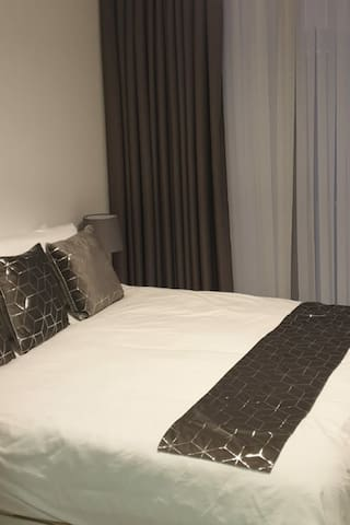 King size bed with hotel comfort mattress
