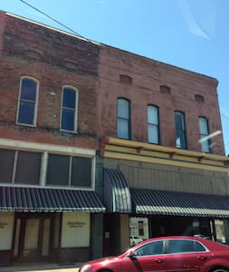 Historic Downtown Helena-Cherry Street - Helena-West Helena - 公寓