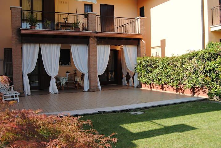 Bilocale con ampio portico e giardino - Castel Mella - Apartemen