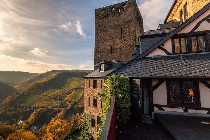 Burgherrenkemenate in der 1000-jährigen Schönburg