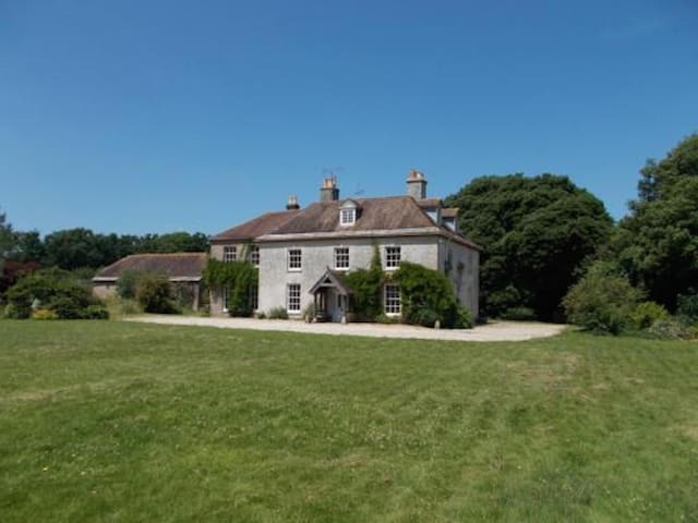 Manor House Moreton - Moreton - Bed & Breakfast