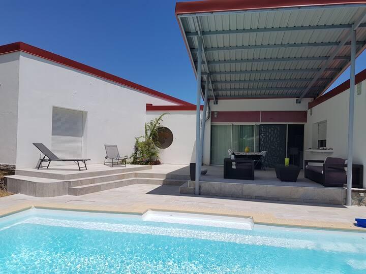 Maison proche de la plage, avec piscine