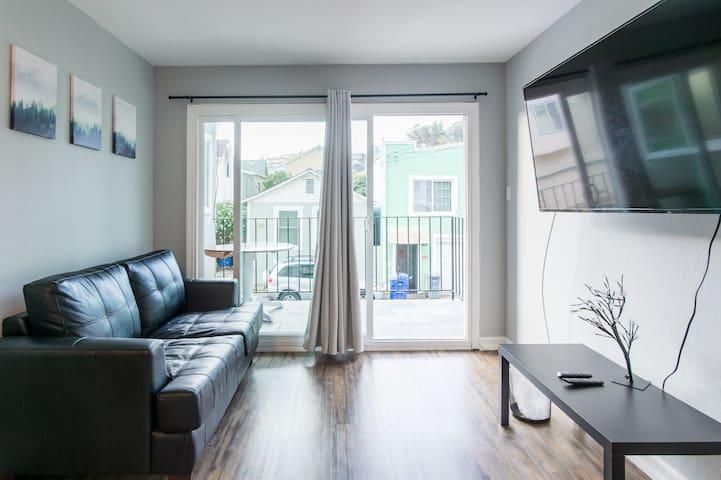 Upscale Apartment ✈️ Clean // Modern // SF Airport