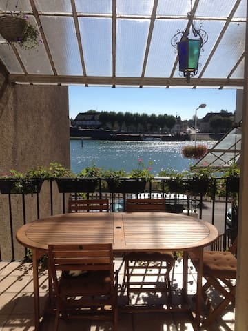 Charmant duplex/75 m² sur les quais - Saint-Jean-de-Losne - อพาร์ทเมนท์