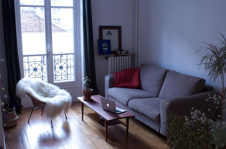 Cosy and cheerful nest at heart of 11th district!