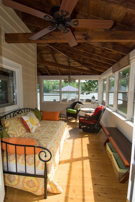 3 season porch with day bed