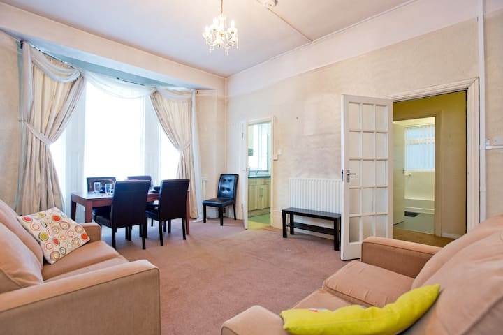 Greenwich -One Bed Apartment! 15 min London city