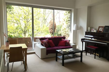 Beautiful and bright 1 bed - Leilighet