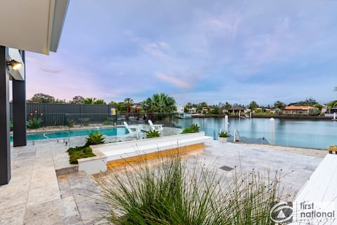 Waterfront resort style 5BD home with pontoon