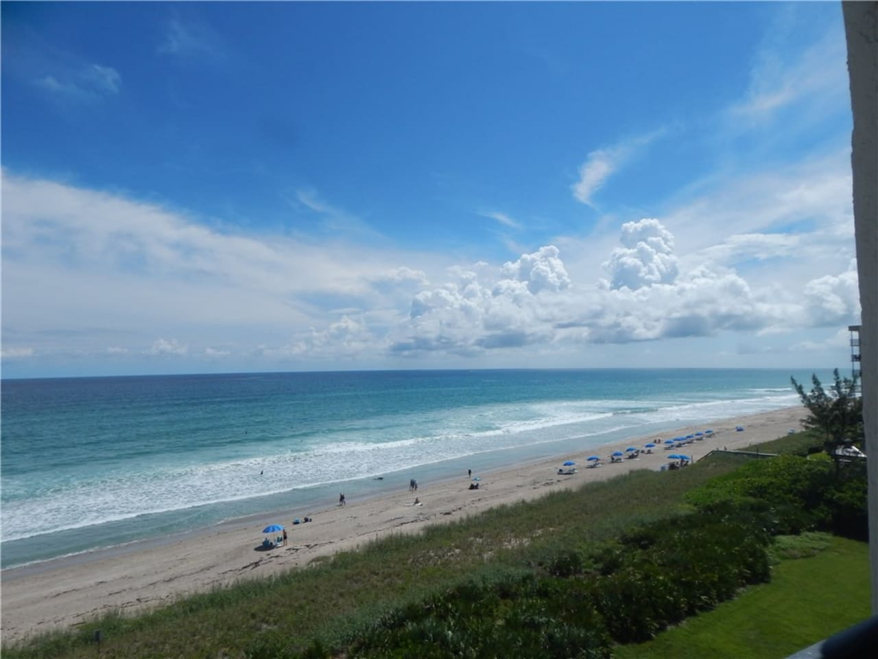 Just a few miles from beautiful Jensen Beach