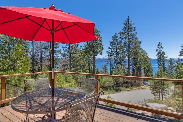 Rim Drive - 3 BR w/ Beautiful Lake Views + Hot Tub - Sleeps 8