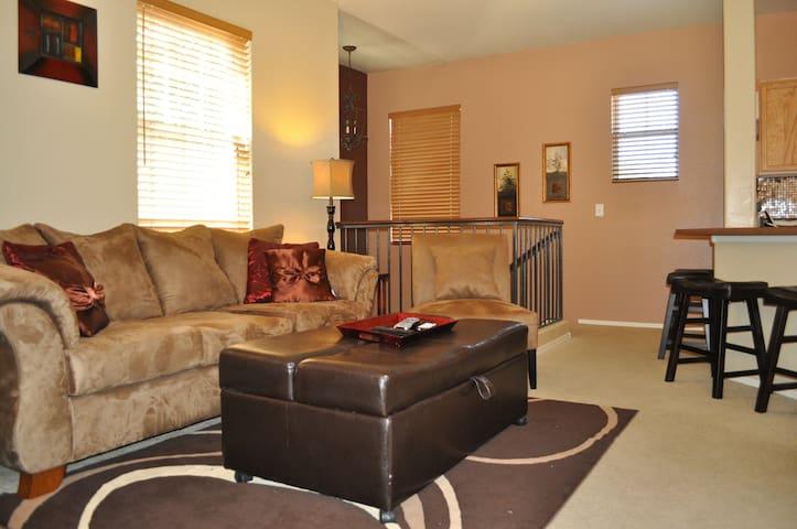 Luxurious 3Bd Town Home by Augusta Ranch Golf Club