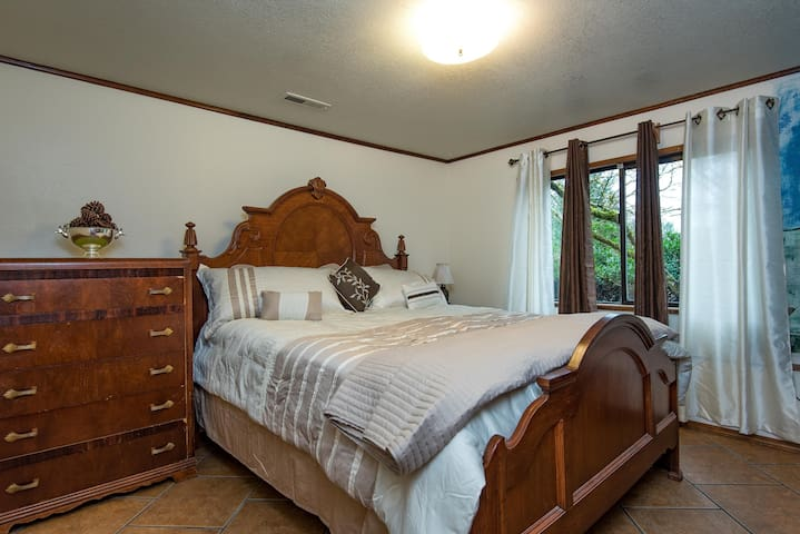 The Vaquero Suite at Kalik Acre - Oregon City - Maison