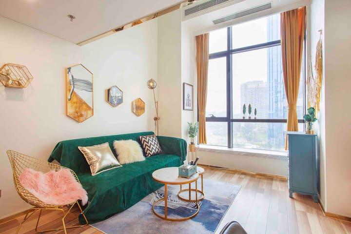 月租优惠 星海广场高品质民宿loft复式 现代简约温馨舒适
