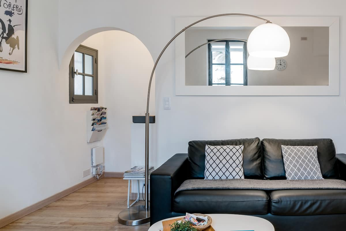 Arles Holiday, Luxury Apartment Facing the Roman Arena