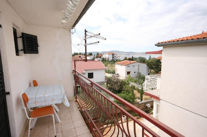 Studio flat with balcony and sea view Starigrad, Paklenica (AS-6579-b)