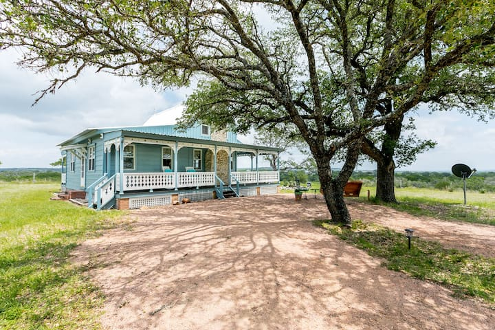 Das Liebe Haus | Cutest House in the Hill Country