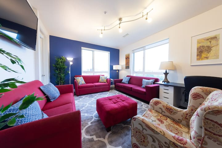 ☆ Spacious 2 bed 2 bath suite in Downtown Denver ☆