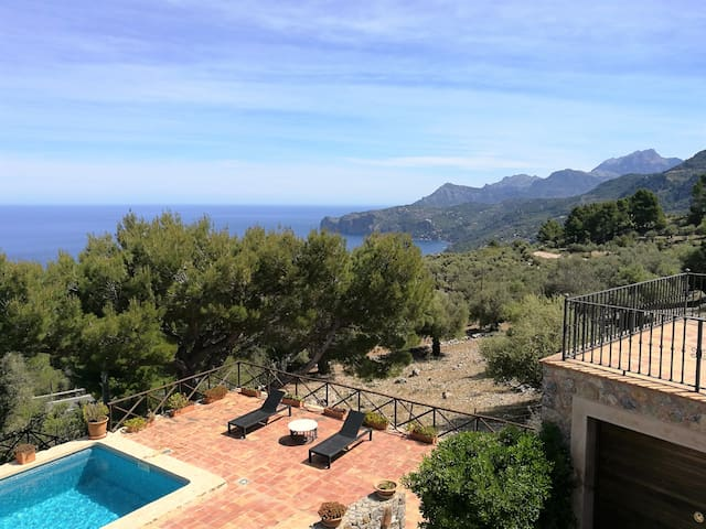 Casa cerca de Deià con vista al mar