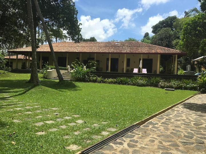 Cinnamon Plantation Villa - Deluxe Bedroom