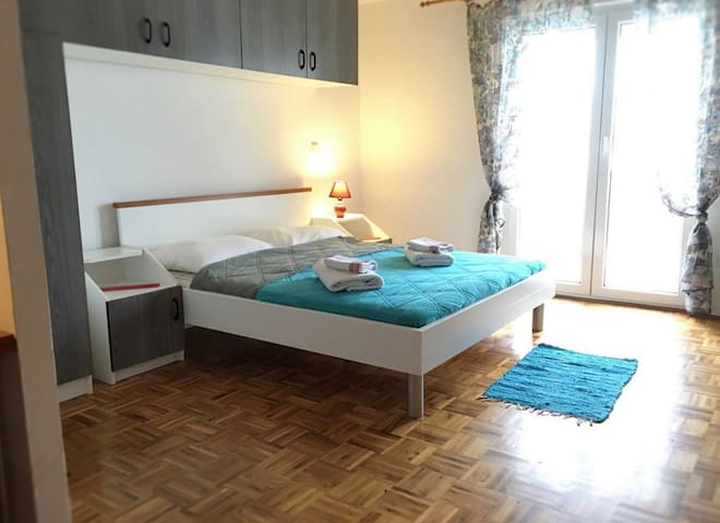 Studio apartment 10m from the Beach (6)