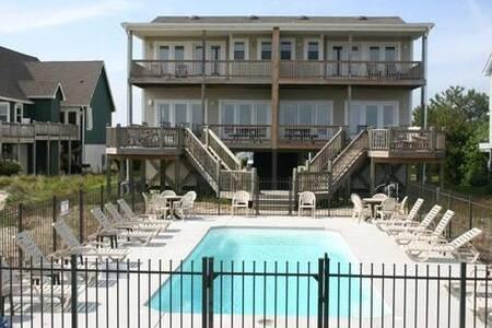 Avalon East-Duplex - Casa