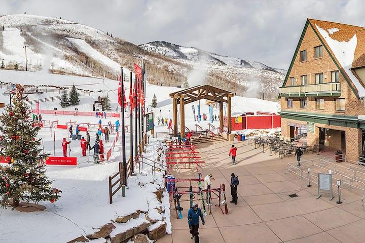 Ski-in/Ski-out 1 Bdrm/2 Bath on Mountain Sleeps 6