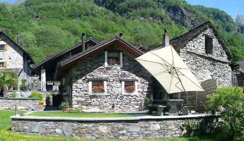 Kamenný dům kompletně obnoven