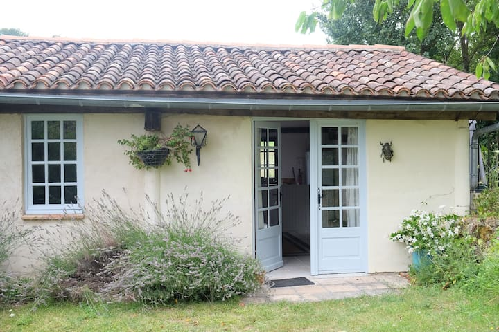 One bedroom cottage in countryside - Puycalvel - Dům