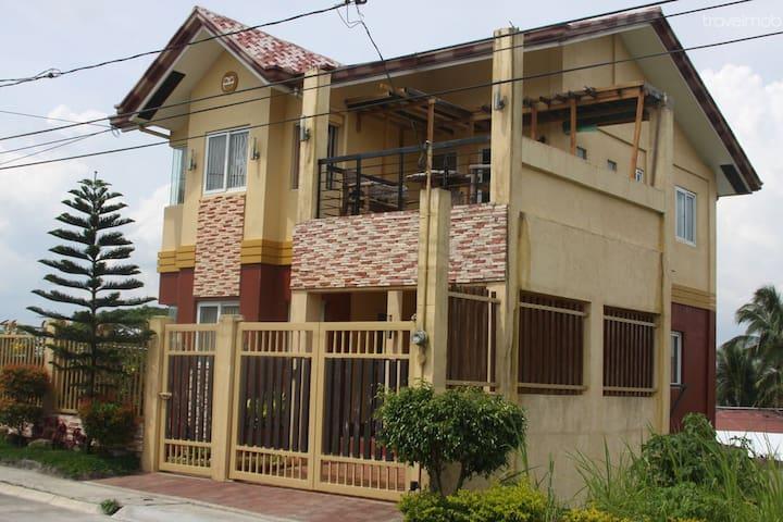 Tagaytay Vacation House