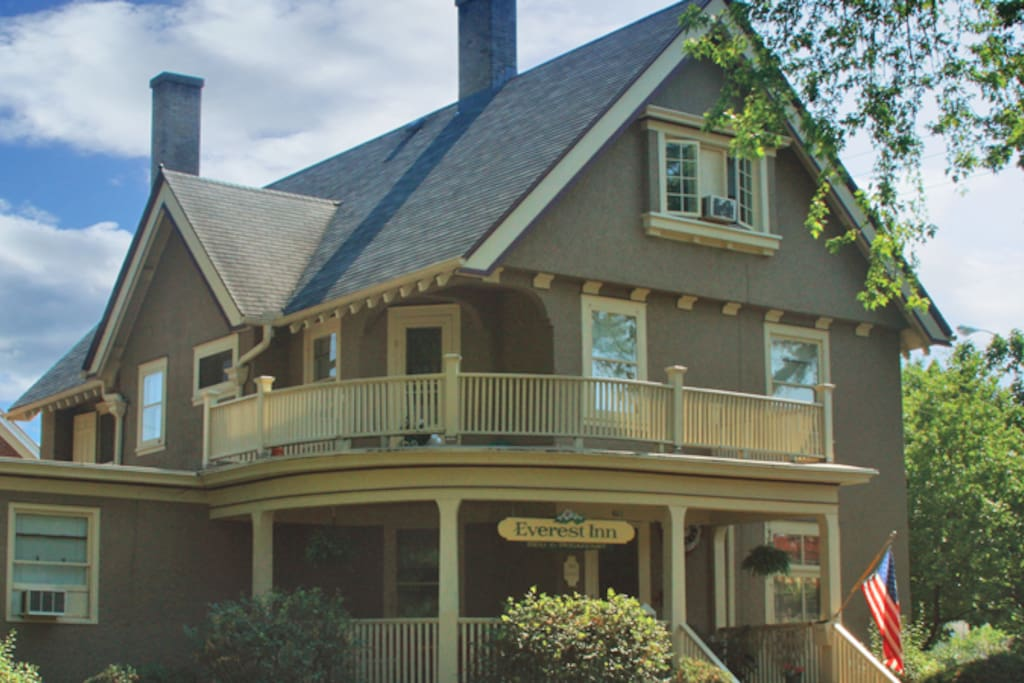 The Everest Inn Bed and Breakfast, a 1908 Queen Anne-style home