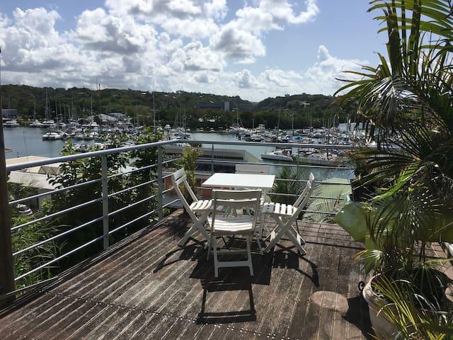 Appartement à la marina du Gosier avec piscine