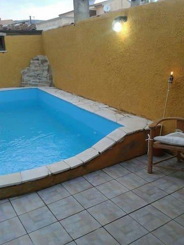 Casa vacanze Barumini con piscina - Barumini - Casa