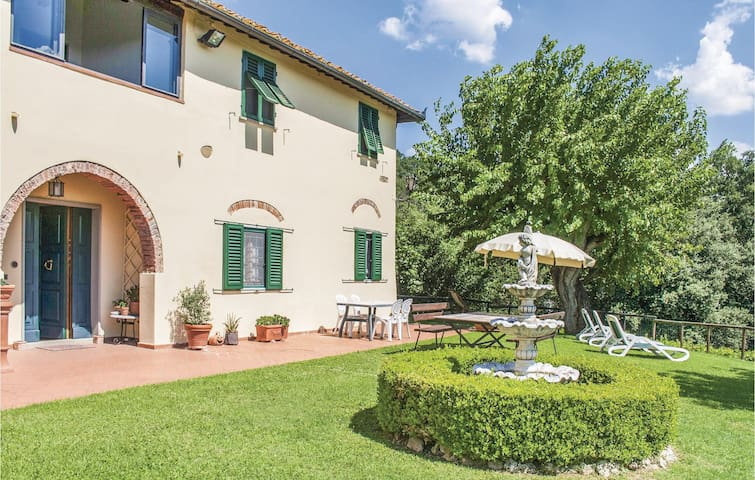 Semi-Detached with 2 bedrooms on 120m² in Montelupo Fiorentino