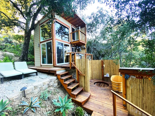 ShangriLaLa Tiny House Mountaintop Getaway