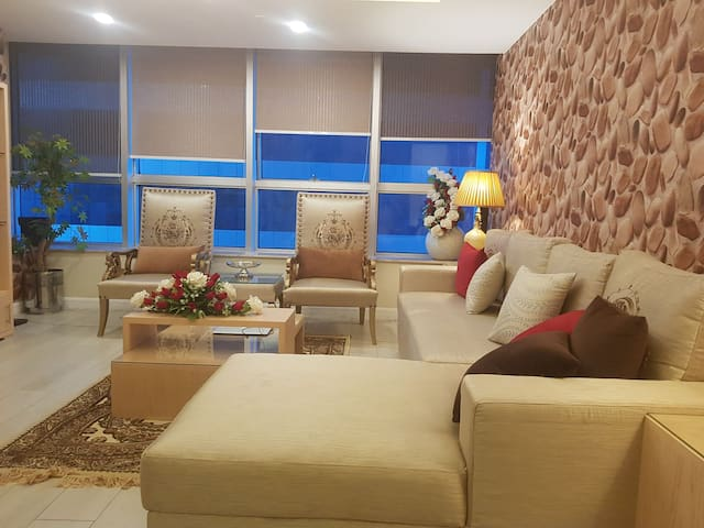 Royal Residencia Centaurus 3beds Luxury apart 1004