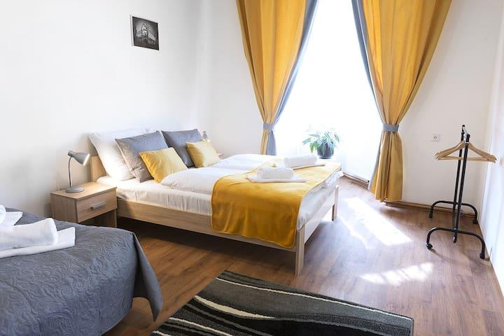 1.07 COZY apartment, 5 min. to the Prague castle.