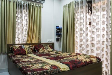 The bachelor's dream - Navi Mumbai